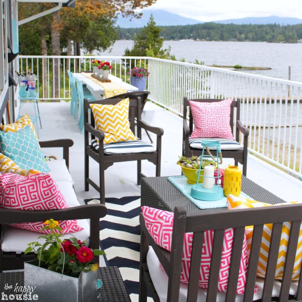 Summer-House-Tour-at-The-Happy-Housie-Deck-9