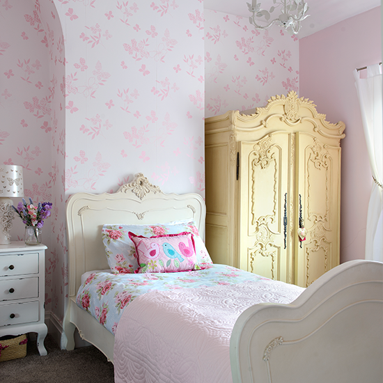 Girls-bedroom-style-at-home-housetohome.co.uk