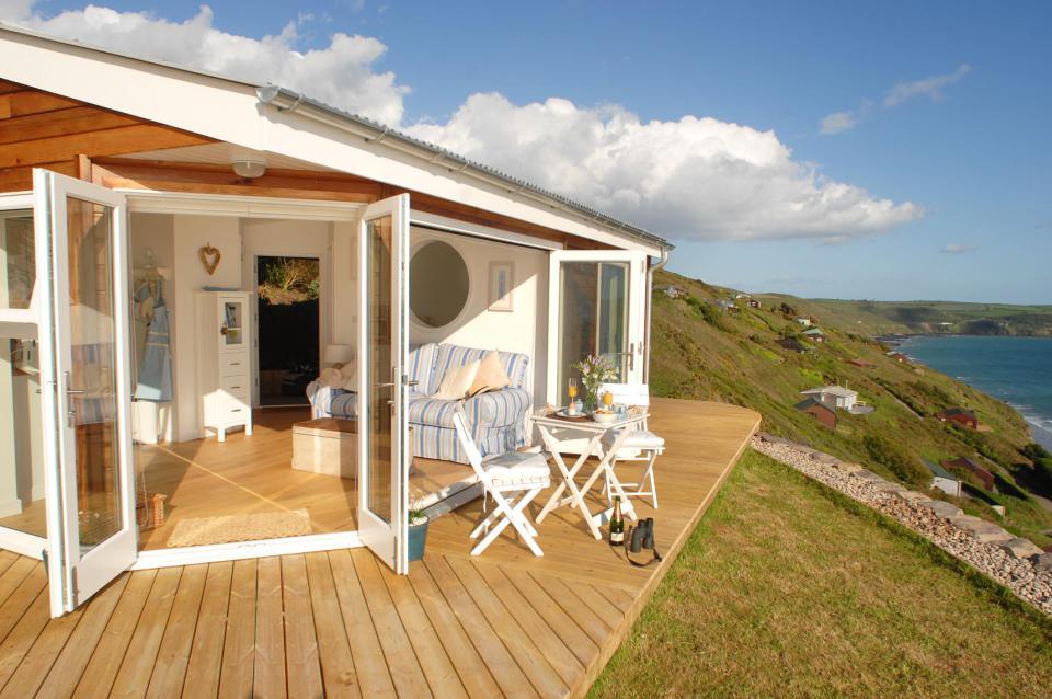 Дом у моря солнечный берег