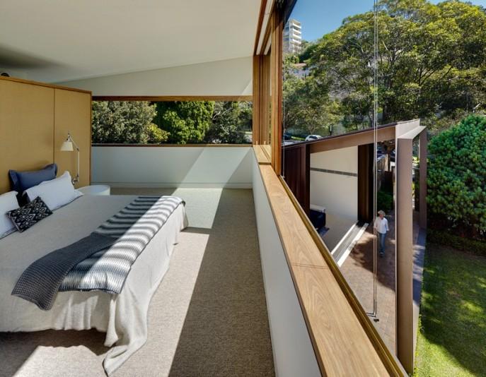 dizain-doma-v-sovremennom-stile-vitrinnye-okna-10