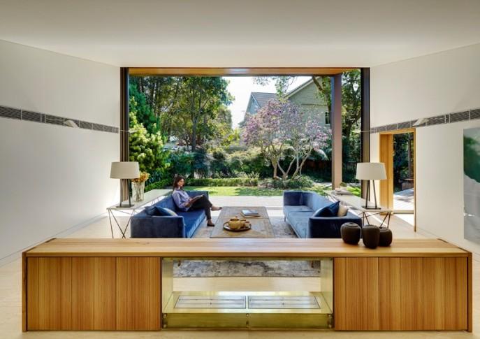 dizain-doma-v-sovremennom-stile-vitrinnye-okna-5