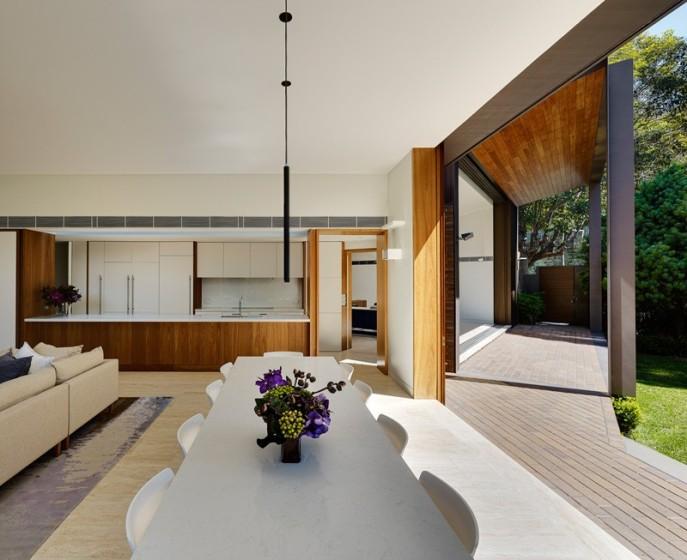 dizain-doma-v-sovremennom-stile-vitrinnye-okna-6