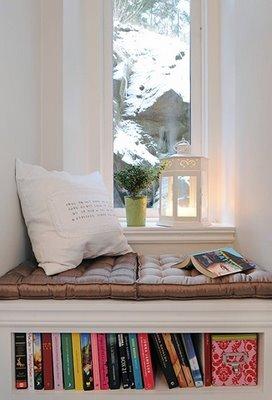 divan-y-okna-dizain-interiera-9