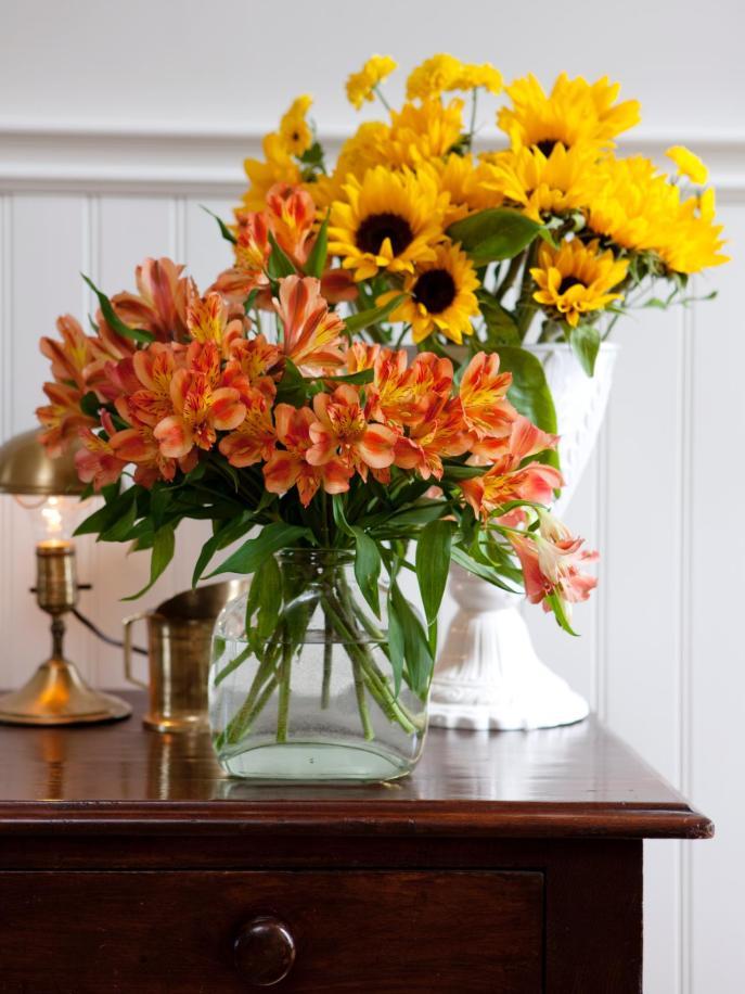 FLSRA304_Flowers-Vases_s3x4.jpg.rend.hgtvcom.1280.1707
