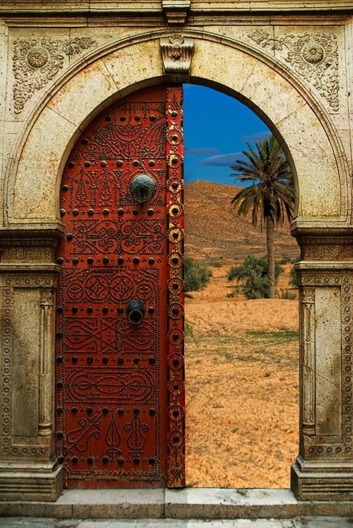 jivopisnie-arabskie-vostochnie-marokkanskie-dveri (12)
