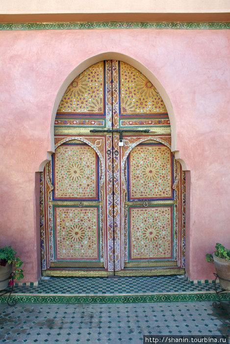 jivopisnie-arabskie-vostochnie-marokkanskie-dveri (18)