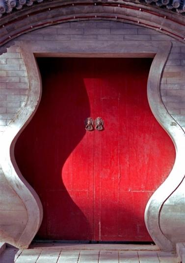 не обычные входные двери