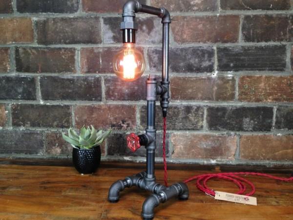 20-unikalnih-dizaynerskih-nastolnih-lamp (18)
